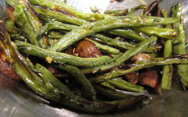 Roasted Green Beans and Cremini Mushrooms with Rosemary-Garlic Oil