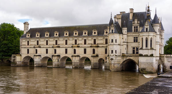 The Château de Chenonceau's most famous occupants were Diane de Portiers' mistress to King Henri II and, later, Catherine de' Medici, wife of the same man. Diane, and her architect, were responsible for the stunning arched wing over the River Cher.